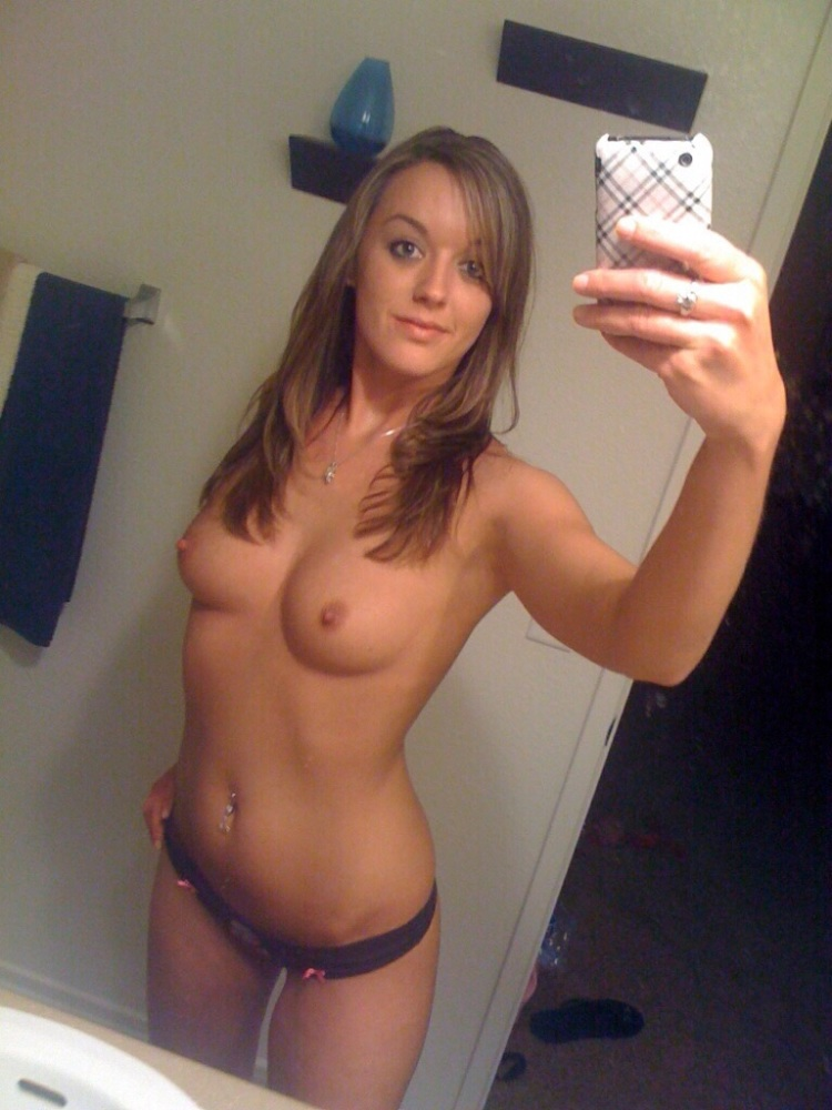 Naked College Girl Selfie In The Mirror